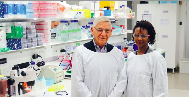 Dr Catchlove and Dr Melkam, inaugural Nicholas Catchlove fellowship recipient, in the labs at the Charles Perkins Centre.