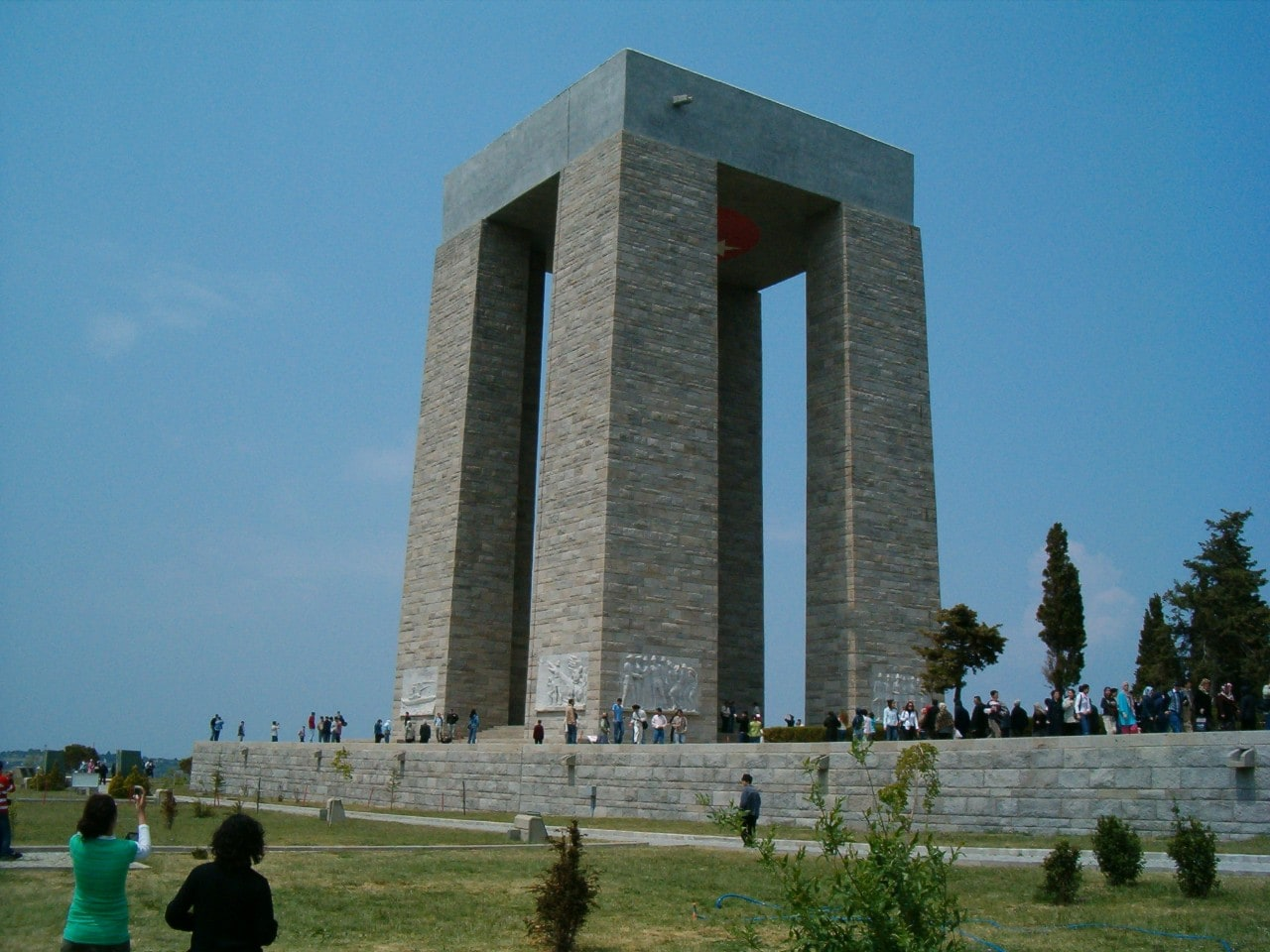 The Çanakkale Martyrs' Memorial in Turkey. Image: Wikimedia Commons.