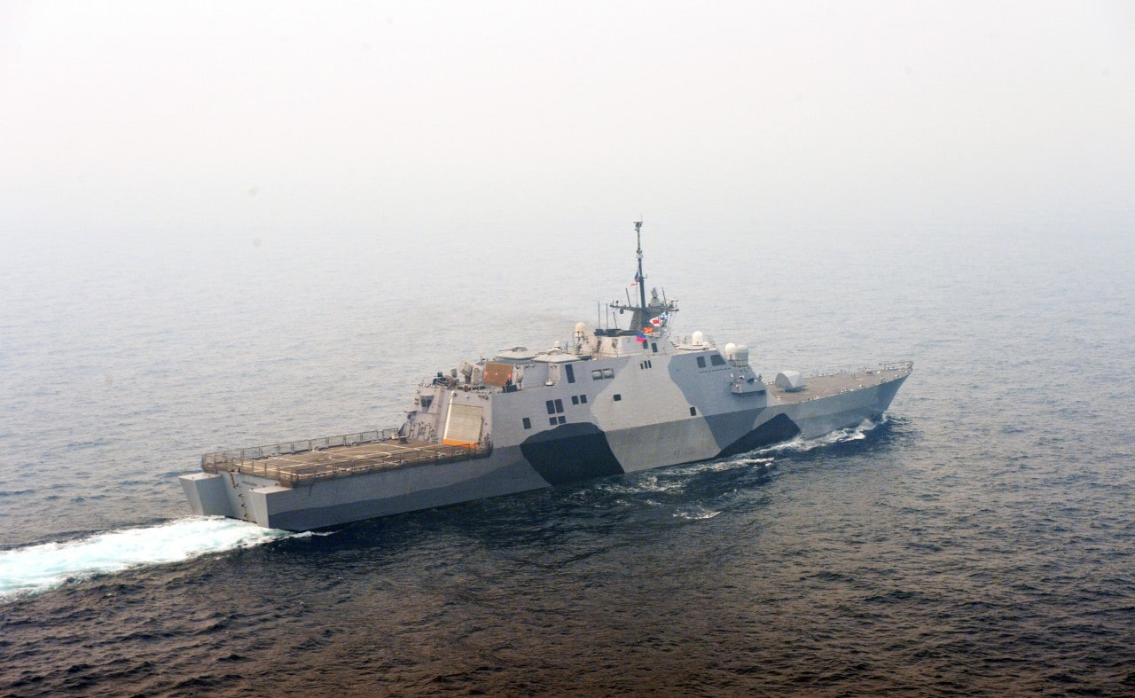 The littoral combat ship USS Freedom (LCS 1) transits the South China Sea during a photo exercise with other US navy ships.