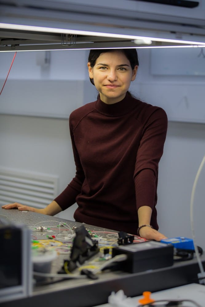 Atiyeh Zarifi in her lab
