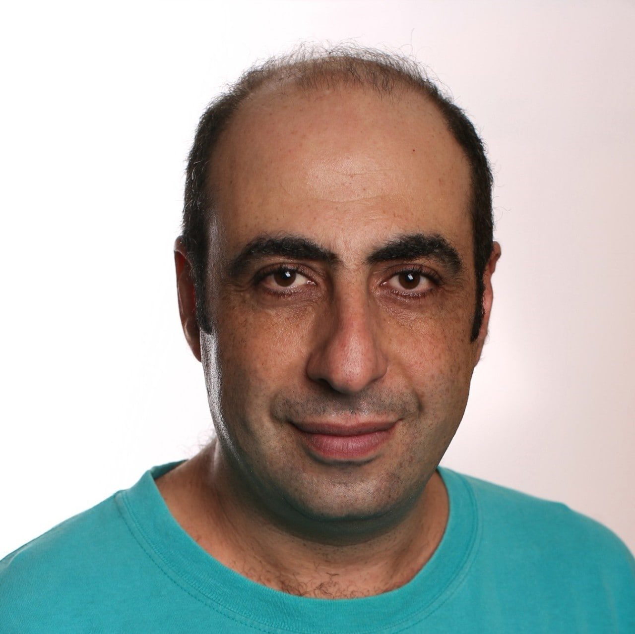Photo of Associate Professor Leon Poladian