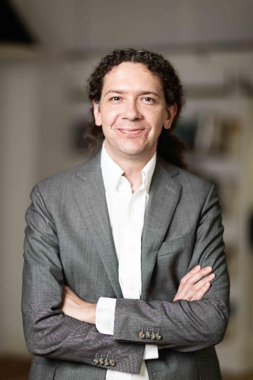 photo of academic David Smith
