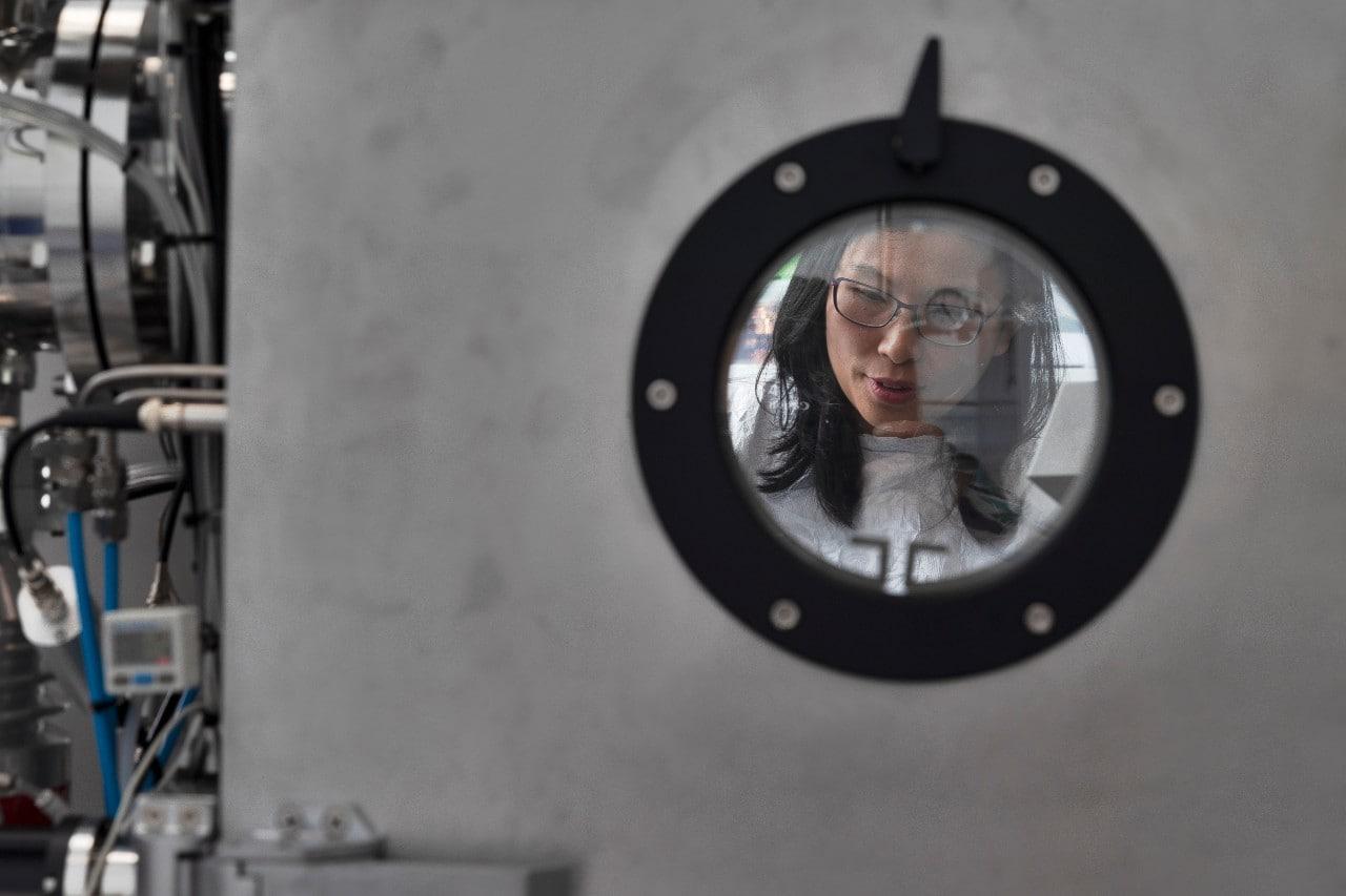 Ho-Baillie, viewed through a porthole