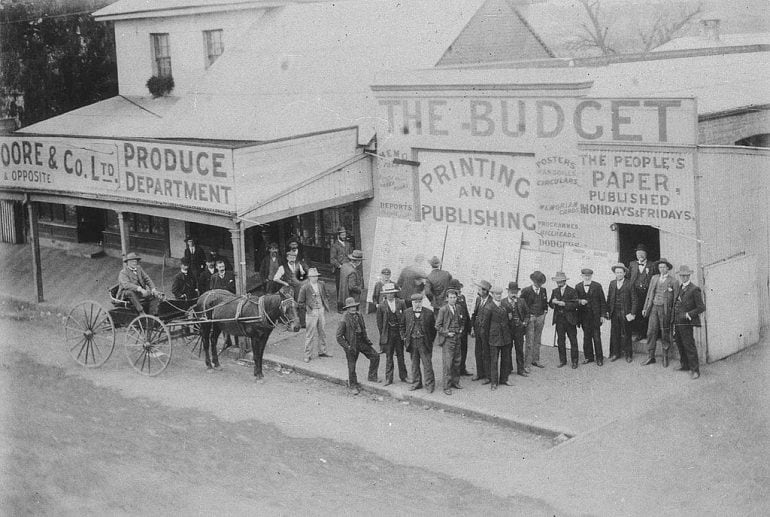 c. 1900 photo of election results displayed outside Budget newspaper office, Singleton