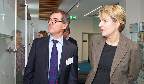 Sydney Medical School Dean Professor Bruce Robinson and Health Minister Tanya Plibersek MP tour the new facility.
