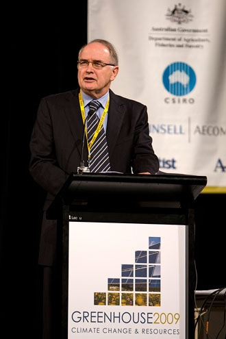 Professor Ross Garnaut addressing the Greenhouse 2009 conference, which science student Michael West was sponsored to attend. Photo: CSIRO, Christian Sprogoe.