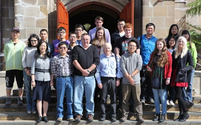 The group of staff and students from the University of Sydney and Peking University who are participating in the joint field trip, led by Professor Geoff Clarke and Professor Jonathan Aitchison, from the University of Sydney, and Professor Shuguang Song and Associate Professor Gui-Bin Zhang, from Peking University.