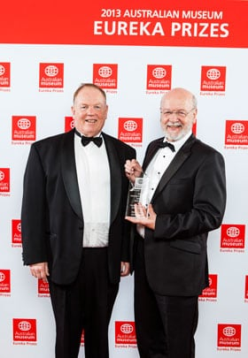 Professor Rick Shine (right), from the School of Biological Sciences in the Faculty of Science, won the Eureka Prize for Outstanding Mentor of Young Researchers, which he accepted from Professor Ross Milbourne (left), Vice-Chancellor of the University of Technology Sydney. Photo credit: Australian Museum Eureka Prizes; Photographer: Daniel O'Doherty.